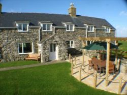 Rowen and Bennar Isa Farms Holiday Cottages